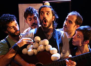 Espectaculo Emportats de la compañía de circo La Trocola Circ